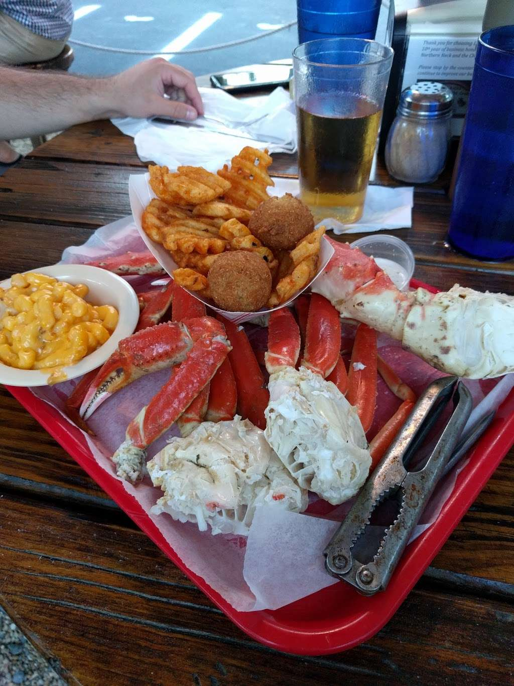 Lowrys Crab Shack - restaurant  | Photo 2 of 10 | Address: 420 W Colonial Hwy, Hamilton, VA 20158, USA | Phone: (540) 338-2348