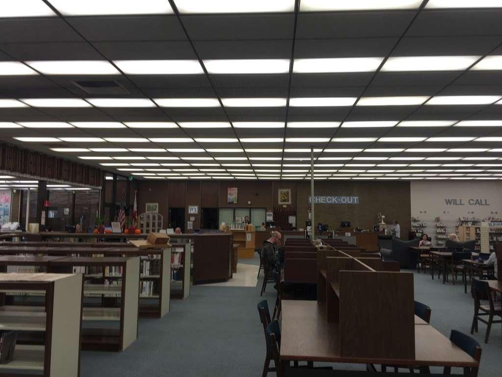 La Cañada Flintridge Library - library  | Photo 5 of 5 | Address: 4545 North Oakwood Avenue, La Cañada Flintridge, CA 91011, USA | Phone: (818) 790-3330