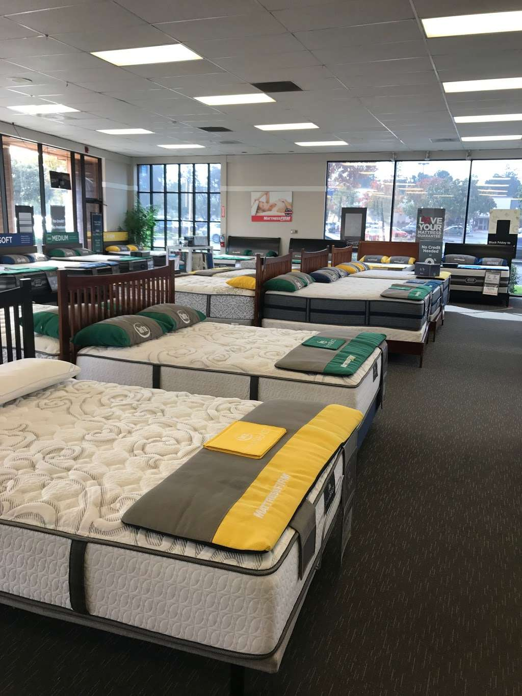 Mattress Firm Mountain View - furniture store  | Photo 8 of 10 | Address: 804 E El Camino Real, Mountain View, CA 94040, USA | Phone: (650) 694-7339