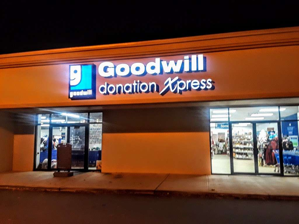 Goodwill Industries Store & Donation Center - clothing store  | Photo 6 of 10 | Address: 1900 Jericho Turnpike, East Northport, NY 11731, USA | Phone: (631) 462-4219