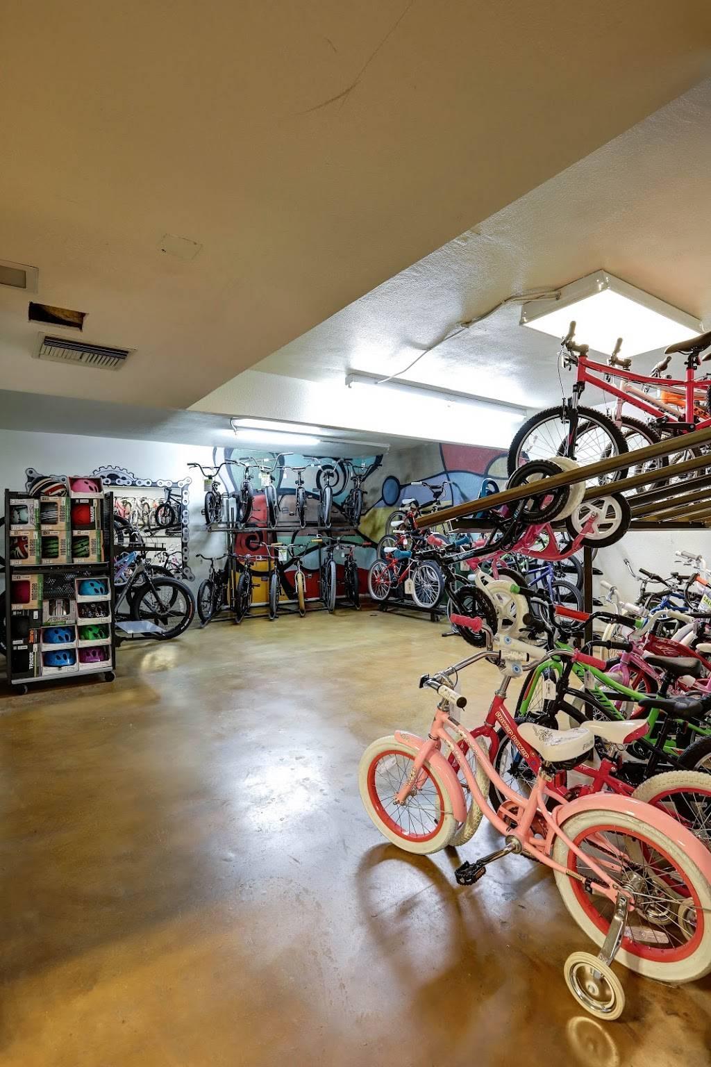 Landis Cyclery - bicycle store    Photo 8 of 10   Address: 712 W Indian School Rd, Phoenix, AZ 85013, USA   Phone: (602) 264-5681