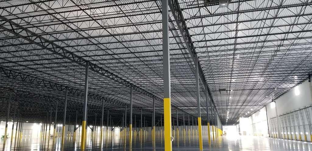 Easton maverik bauer - storage  | Photo 4 of 5 | Address: 2856 Ronald Reagan Pkwy, Indianapolis, IN 46231, USA