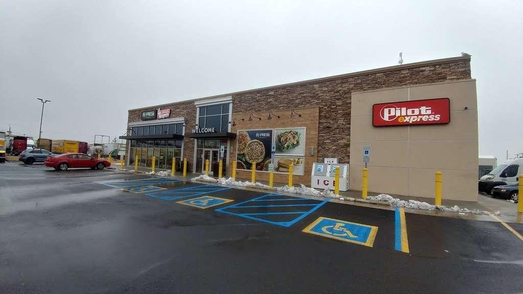 Pilot Express - store  | Photo 5 of 10 | Address: 400 Doremus Ave, Newark, NJ 07105, USA | Phone: (973) 589-3090