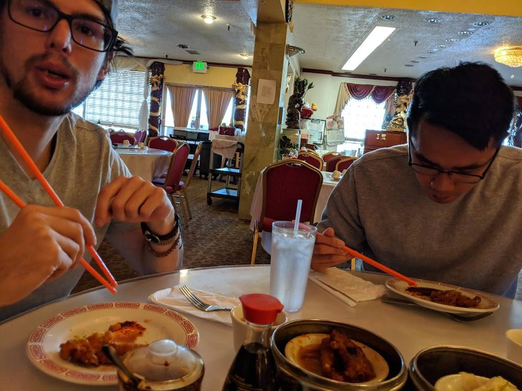 King Palace | Seafood Restaurant - restaurant  | Photo 1 of 4 | Address: 5829 Stockton Blvd, Sacramento, CA 95824, USA | Phone: (916) 456-8888