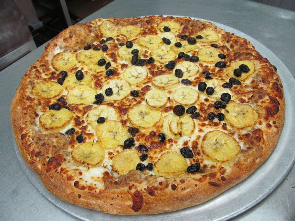 Asada Pizza - restaurant  | Photo 10 of 10 | Address: 12615 San Fernando Rd, Sylmar, CA 91342, USA | Phone: (818) 403-6933