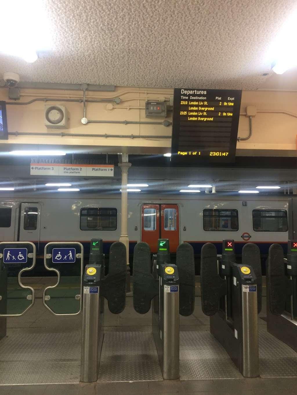 Chingford - train station  | Photo 3 of 10 | Address: London E4 6AL, UK