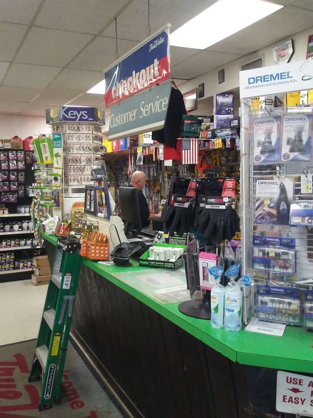 B & B True Value Hardware - hardware store  | Photo 3 of 10 | Address: 611 State Rd, Croydon, PA 19021, USA | Phone: (215) 785-3643