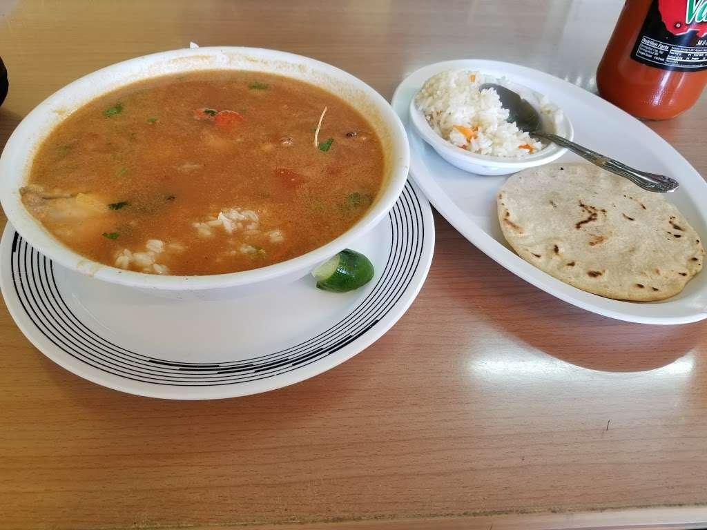 La Aurora Restaurant - restaurant  | Photo 6 of 10 | Address: 3023 Davie Blvd, Fort Lauderdale, FL 33312, USA | Phone: (954) 584-3933