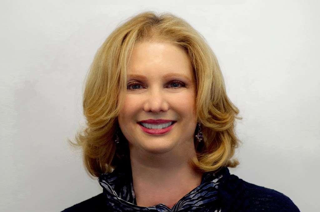 The Cheryl Huber Team - real estate agency    Photo 1 of 1   Address: 200 34th St, Ocean City, NJ 08226, USA   Phone: (609) 602-2322