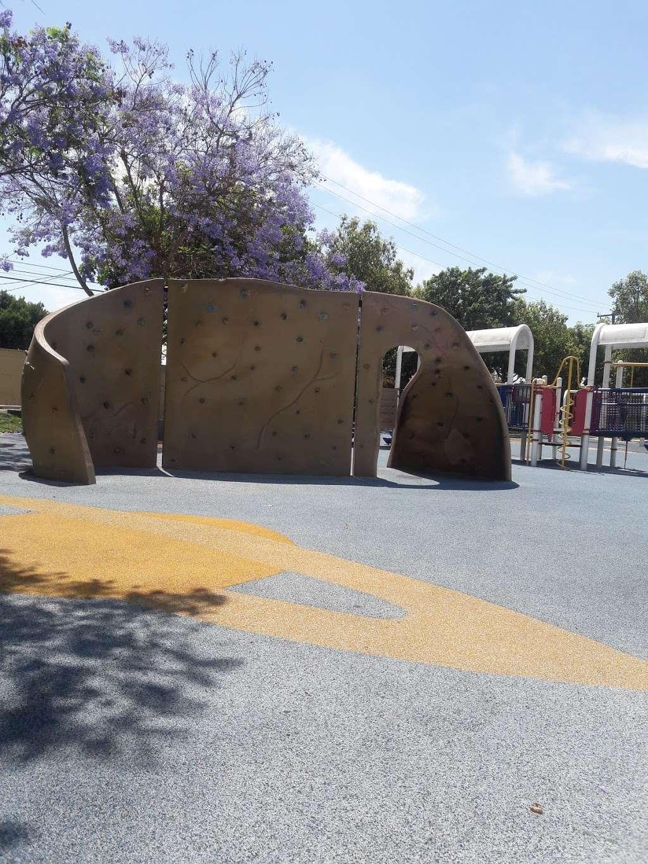Parque De Los Sueños - park    Photo 7 of 10   Address: 1333 S Bonnie Beach Pl, Los Angeles, CA 90032, USA   Phone: (323) 260-2330