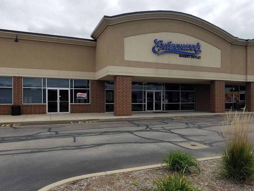 Entenmanns Bakery Outlet - bakery  | Photo 1 of 4 | Address: 6935 Lake Plaza Dr Suite D, Indianapolis, IN 46220, USA | Phone: (317) 570-1741