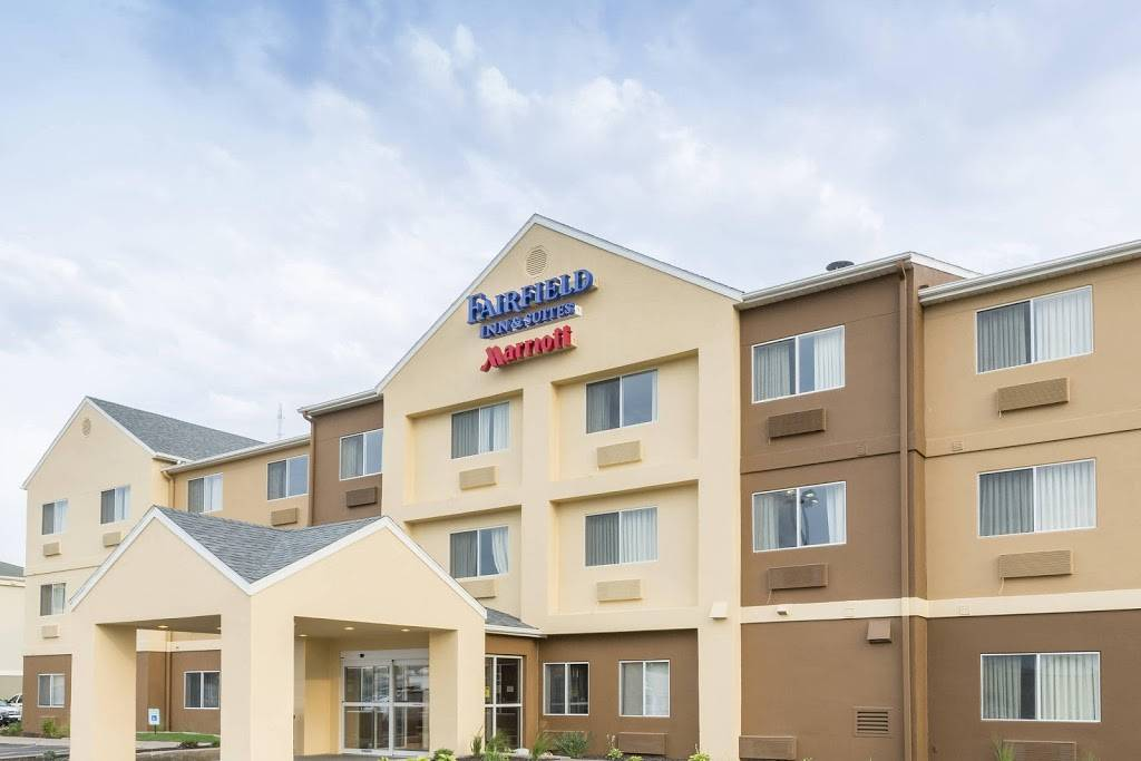 Fairfield Inn & Suites by Marriott Lincoln - lodging  | Photo 1 of 9 | Address: 4221 Industrial Ave, Lincoln, NE 68504, USA | Phone: (402) 476-6000