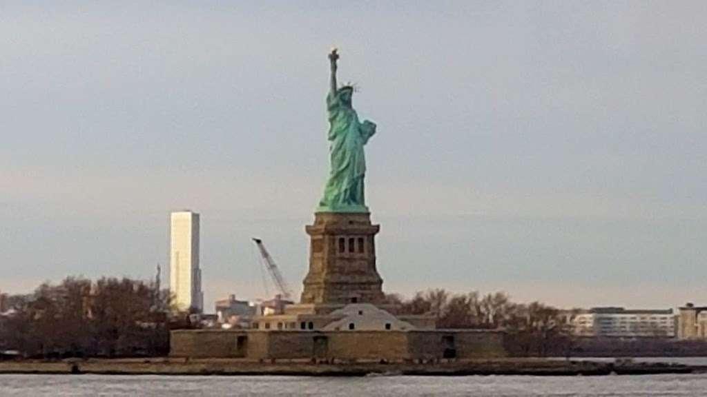 New York Estatua De La Llibertat Corona - museum  | Photo 1 of 10 | Address: Isla de la Libertad, New York, NY 10004, USA