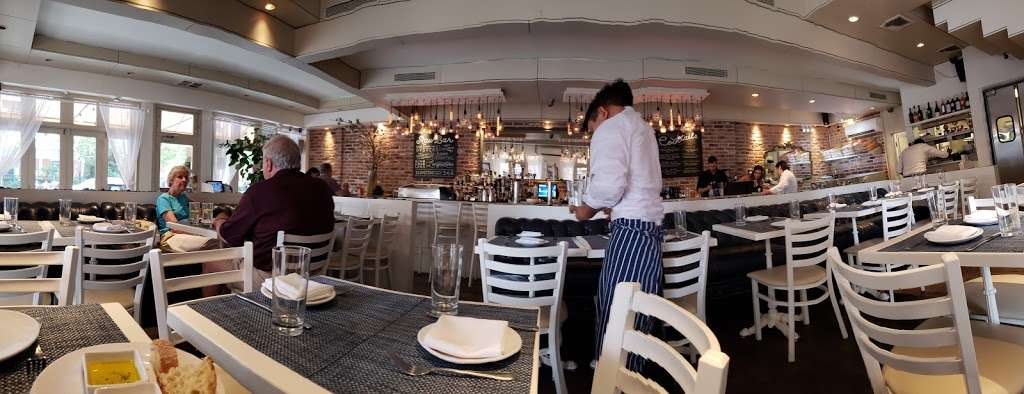 Akrotiri - restaurant  | Photo 5 of 10 | Address: 29-20 30th Ave, Astoria, NY 11102, USA | Phone: (718) 726-2447