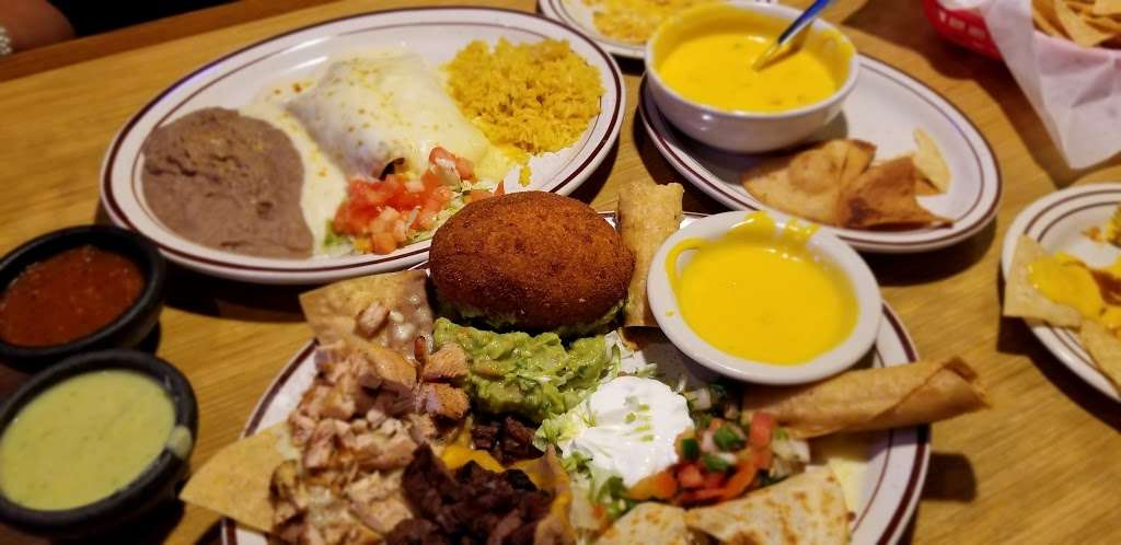 Mama Juanitas Mexican Restaurant - restaurant  | Photo 3 of 9 | Address: 1118 League Line Rd, Conroe, TX 77303, USA | Phone: (936) 856-9012