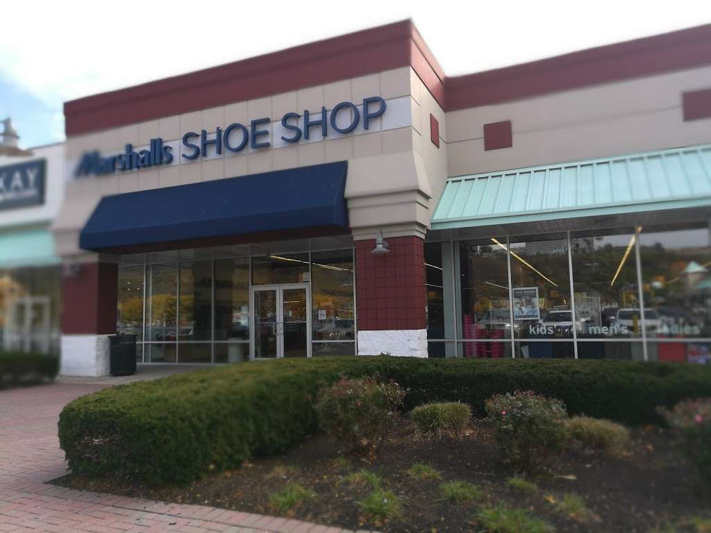 Marshalls - department store  | Photo 8 of 10 | Address: 497 River Rd, Edgewater, NJ 07020, USA | Phone: (201) 945-5671