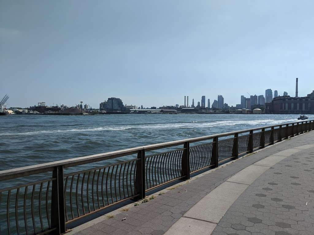 East River Promenade - park  | Photo 7 of 10 | Address: East River Promenade, New York, NY 10002, USA