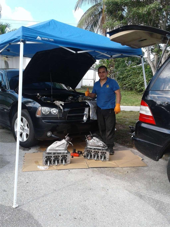 Mecanico a domicilio West Palm Beach - car repair  | Photo 8 of 9 | Address: 4589 Barclay Crescent, Lake Worth, FL 33463, USA | Phone: (561) 201-1792