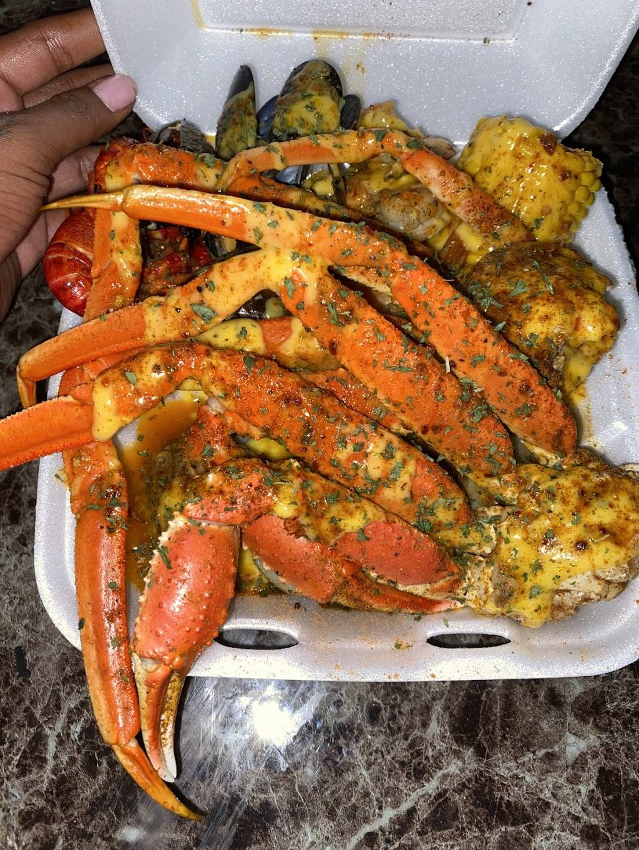 Tampa Blu - restaurant  | Photo 3 of 7 | Address: 6844 N 50th St, Tampa, FL 33610, USA | Phone: (813) 300-5032