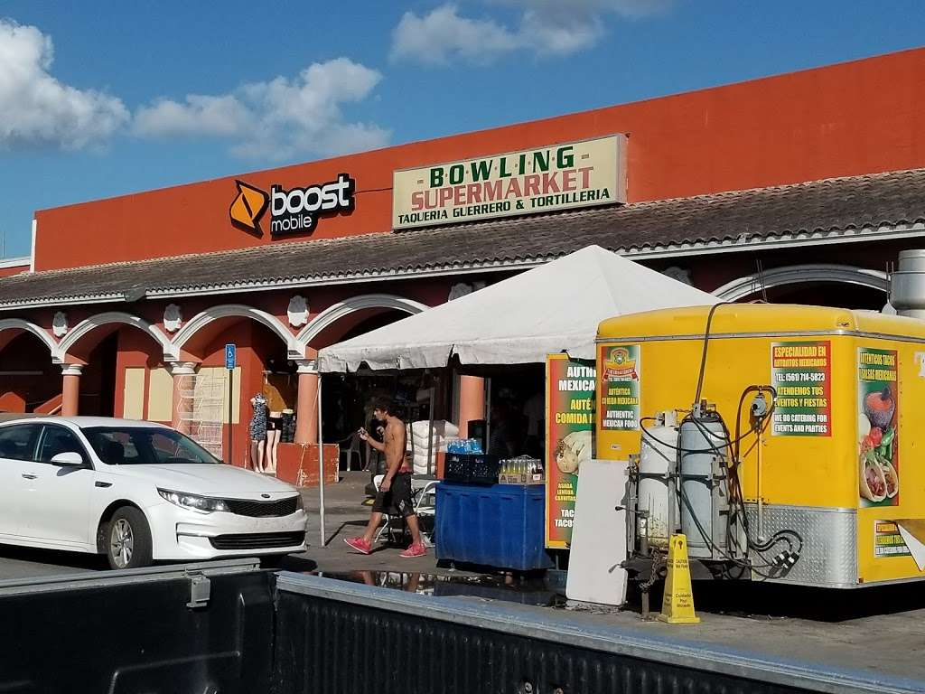 Bowling Supermarket - store  | Photo 3 of 10 | Address: 1425 S Main St, Belle Glade, FL 33430, USA | Phone: (561) 996-6349