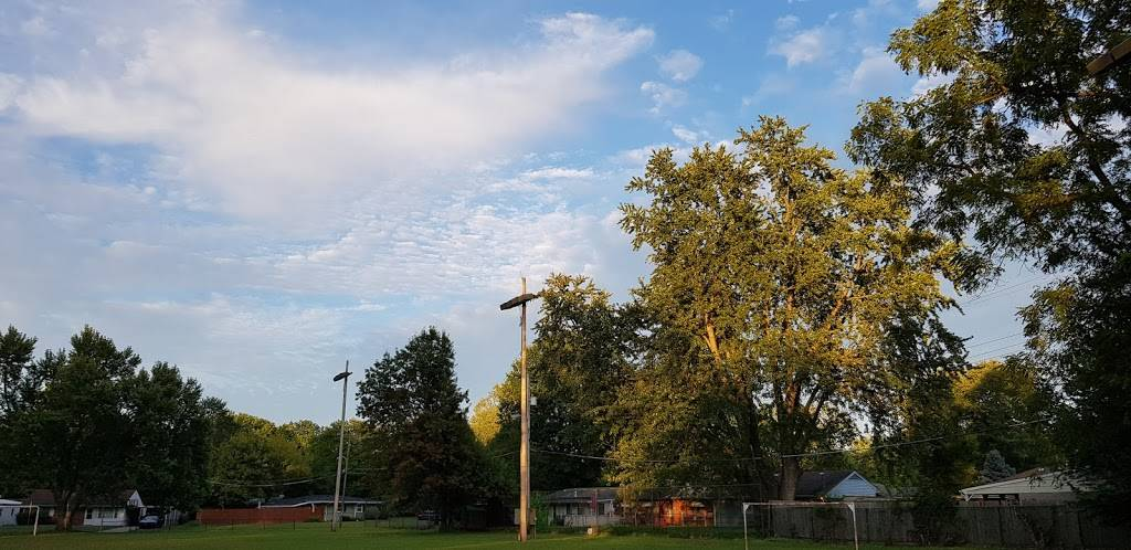 Farnsley Park - park  | Photo 5 of 9 | Address: 3100 Wedgewood Way, Louisville, KY 40220, USA | Phone: (502) 574-7275