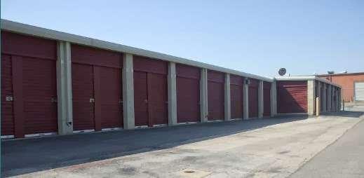 Alamo Self Storage - Redbird - storage    Photo 3 of 6   Address: 7011 Marvin D Love Fwy, Dallas, TX 75237, USA   Phone: (214) 337-8444