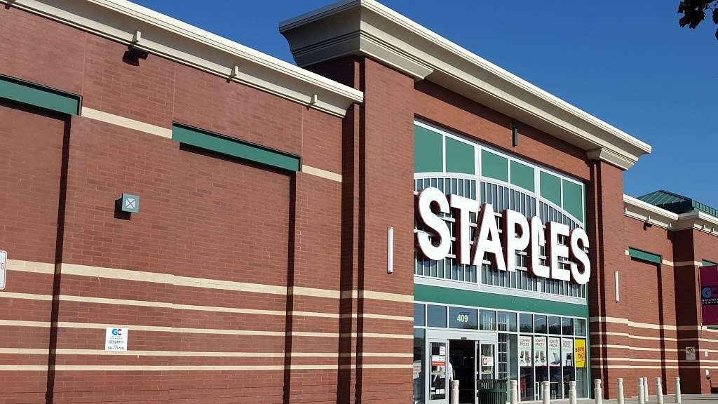 Staples - furniture store  | Photo 3 of 10 | Address: 409 Gateway Dr, Brooklyn, NY 11239, USA | Phone: (718) 348-9477