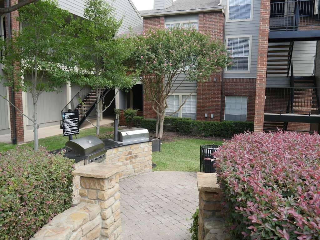 Veridian Place - real estate agency  | Photo 8 of 10 | Address: 4849 Haverwood Ln, Dallas, TX 75287, USA | Phone: (972) 268-9308