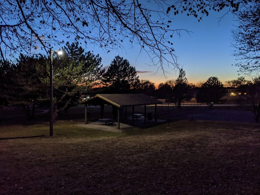 Applewood Heights Park - park    Photo 5 of 6   Address: 10706 Washington Dr, Omaha, NE 68127, USA   Phone: (402) 444-5900