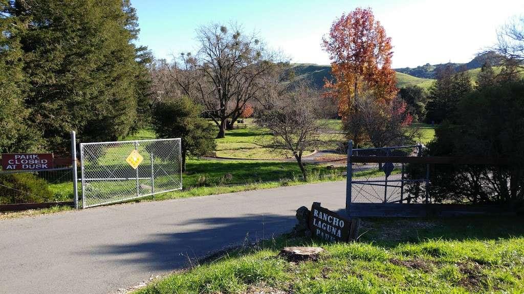 Rancho Laguna Park - park  | Photo 6 of 10 | Address: 2101 Camino Pablo, Moraga, CA 94556, USA | Phone: (925) 376-2520