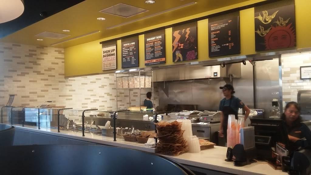 QDOBA Mexican Eats - restaurant  | Photo 4 of 6 | Address: 4000 N, Colorado Blvd Ste 101, Denver, CO 80216, USA | Phone: (303) 333-0841