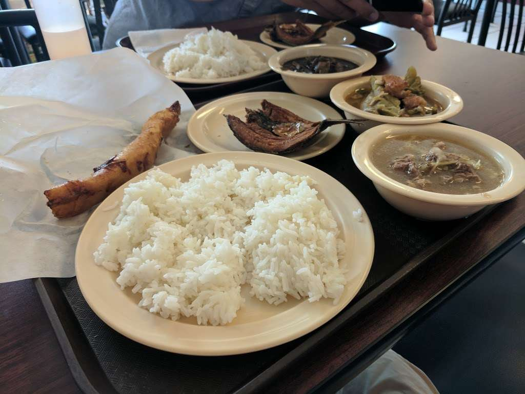 Rene Rose Island Cuisine - restaurant  | Photo 3 of 10 | Address: 621 Caliente Dr, Sunnyvale, CA 94085, USA | Phone: (408) 733-3691