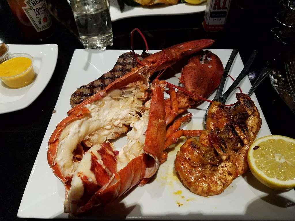 River Dock Cafe - restaurant  | Photo 8 of 10 | Address: 1 Richmond Terrace, Staten Island, NY 10301, USA | Phone: (347) 354-3598