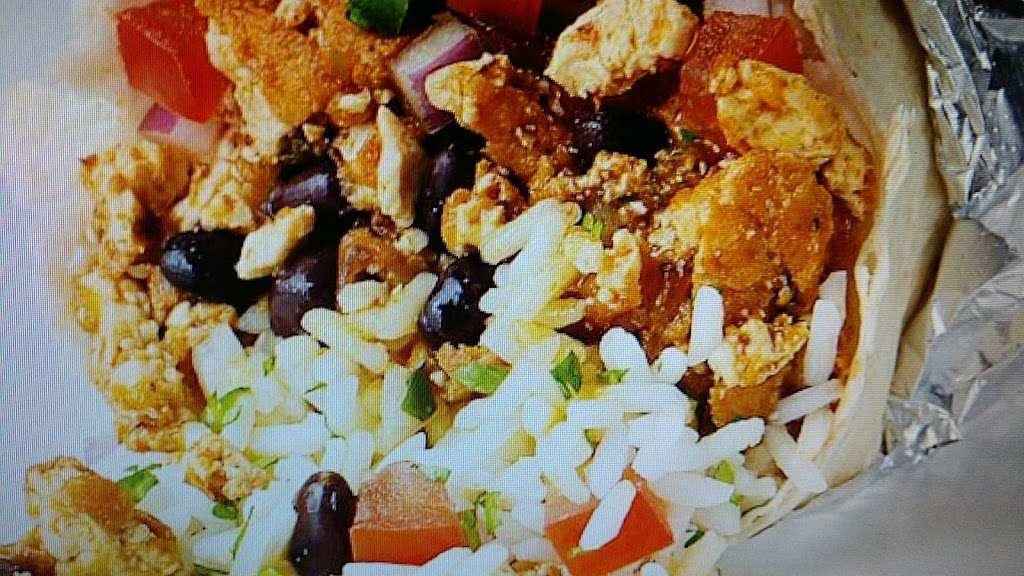 Thats A Wrap - meal takeaway  | Photo 6 of 10 | Address: 163-12 Cross Bay Blvd, Howard Beach, NY 11414, USA | Phone: (718) 322-9727