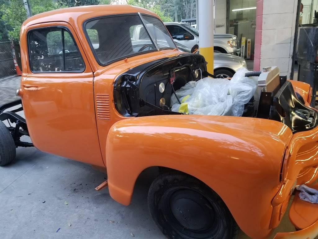 Oscars Body & Painting, Inc. - car repair  | Photo 4 of 8 | Address: 2949 W Beaver St, Jacksonville, FL 32254, USA | Phone: (904) 388-0852