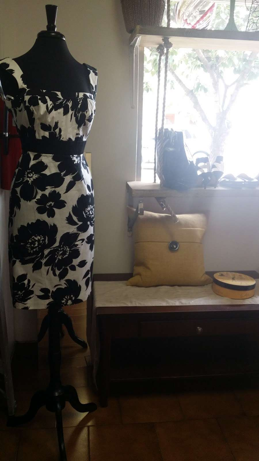Glow Thrift Shop Store - clothing store  | Photo 8 of 10 | Address: 561 Palisade Ave, Jersey City, NJ 07307, USA | Phone: (646) 399-7397