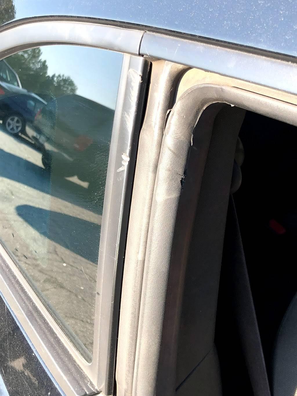 United Auto - car repair  | Photo 7 of 9 | Address: 25 Southside Industrial Pkwy, Atlanta, GA 30354, USA | Phone: (404) 363-4100
