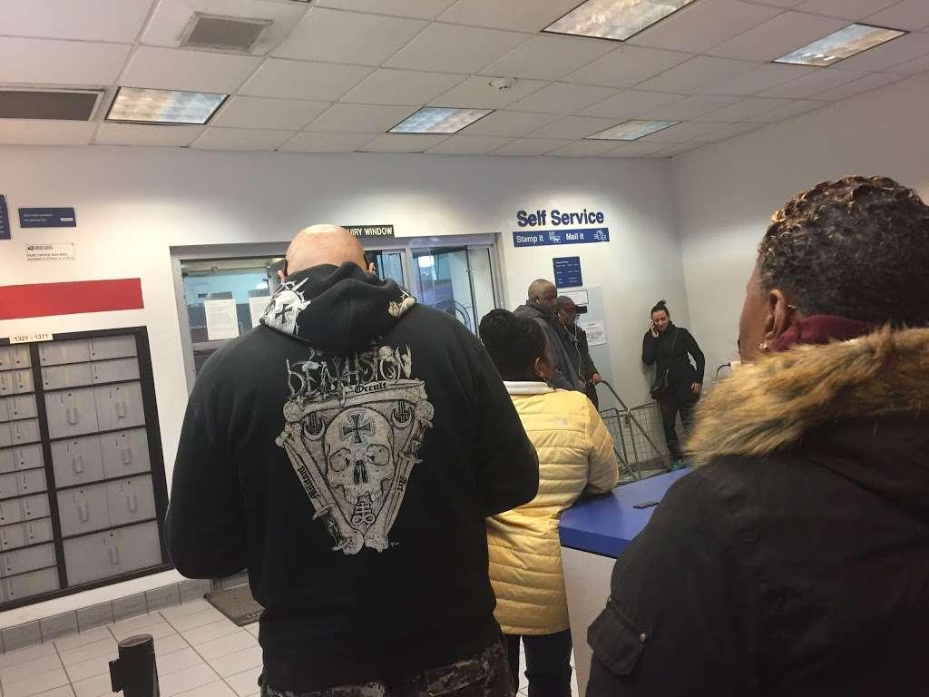 United States Postal Service - post office  | Photo 6 of 9 | Address: 3300 Conner St, Bronx, NY 10475, USA | Phone: (800) 275-8777