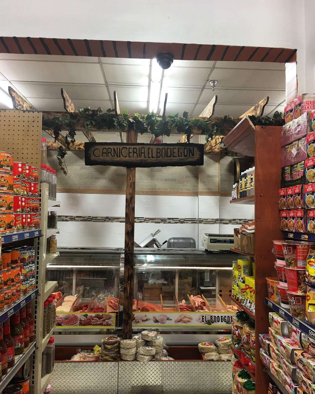 El Bodegon supermarket - convenience store  | Photo 8 of 10 | Address: 119 Broadway, Passaic, NJ 07055, USA | Phone: (973) 916-0877