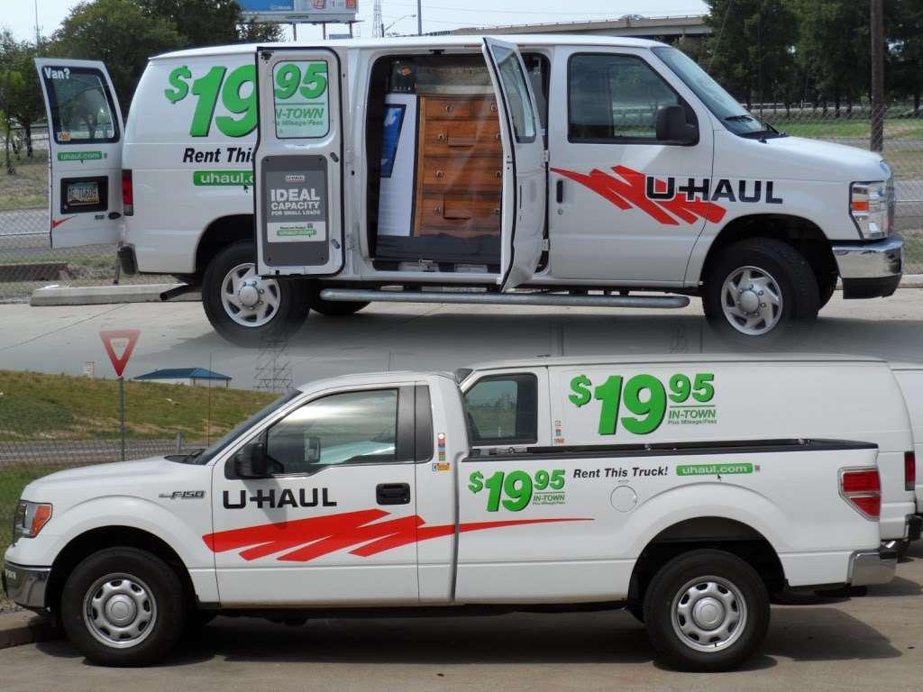 U-Haul Moving & Storage of South Park - moving company    Photo 2 of 10   Address: 1826 SW Military Dr, San Antonio, TX 78221, USA   Phone: (210) 922-3666