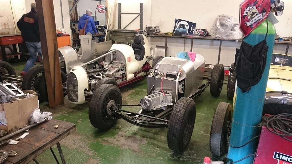 Pigsty Racing - car repair  | Photo 1 of 10 | Address: 2b, Lady Cross Business Park, Hollow Ln, Dormansland, Lingfield RH7 6PB, UK | Phone: 01342 870988