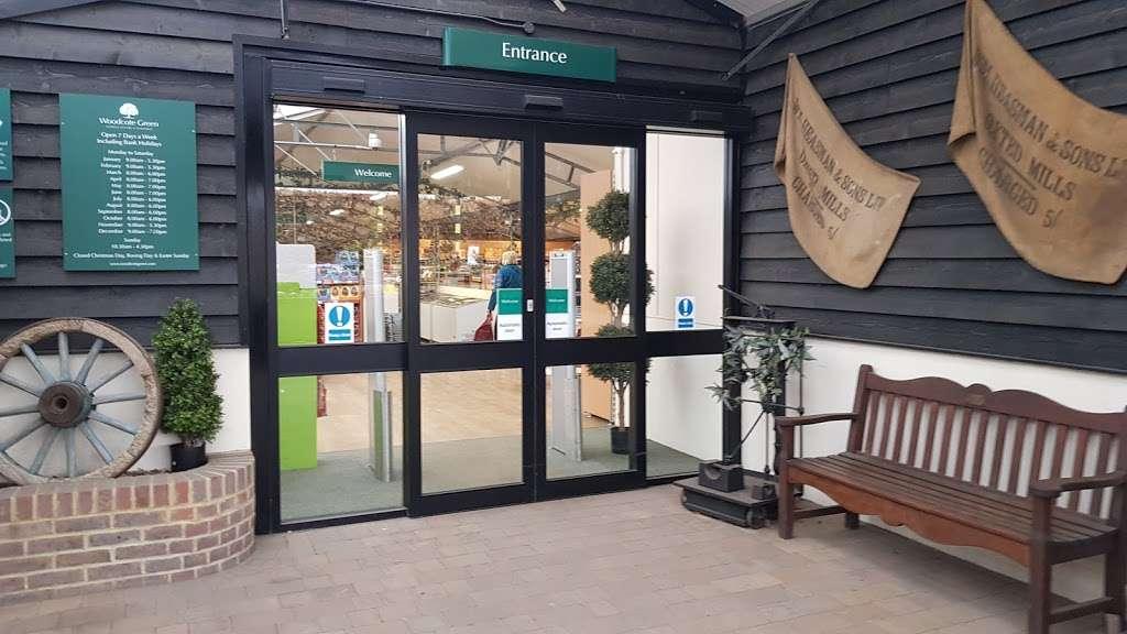Woodcote Green - florist  | Photo 9 of 10 | Address: Woodcote Green Garden Centre & Nurseries, 4a Woodmansterne Ln, Wallington SM6 0SU, UK | Phone: 020 8647 6838