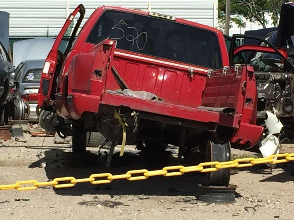 SOUTHSIDE U-PULL-IT - car repair  | Photo 5 of 10 | Address: 3515 Almeda Genoa Rd, Houston, TX 77047, USA | Phone: (832) 968-7473