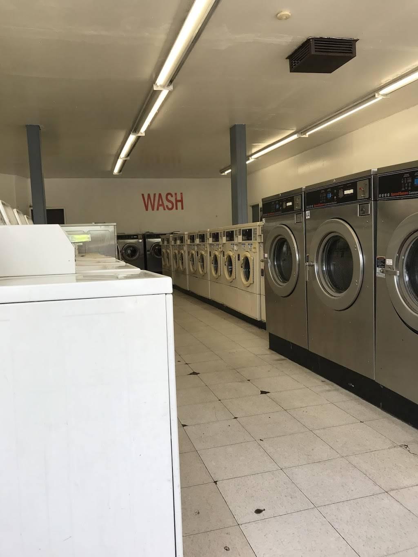 Launderland Bianchi - laundry  | Photo 10 of 10 | Address: 907 E Bianchi Rd, Stockton, CA 95207, USA | Phone: (209) 498-8370