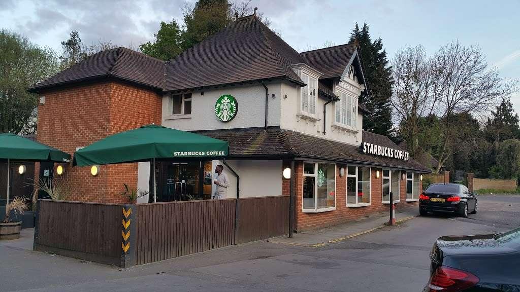 Starbucks Coffee - cafe  | Photo 3 of 10 | Address: 119 London Rd N, Hooley, Merstham, Redhill RH1 3AL, UK | Phone: 01737 550382