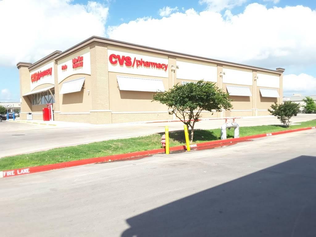 CVS - convenience store    Photo 7 of 10   Address: 200 Cibolo Valley Dr, Cibolo, TX 78108, USA   Phone: (210) 566-1585