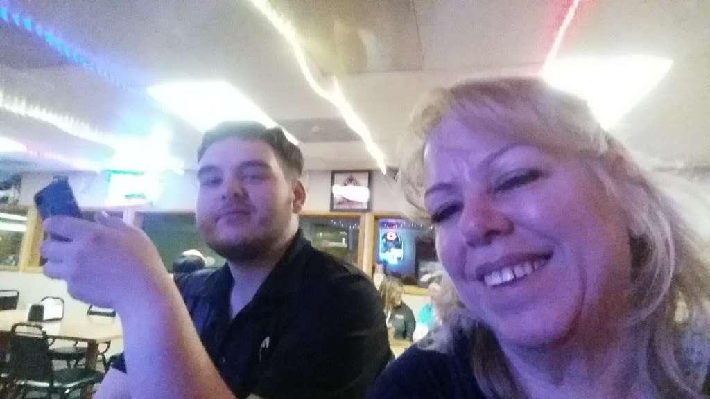 Rurys Tap - restaurant  | Photo 5 of 6 | Address: 365 Lake St, South Wilmington, IL 60474, USA | Phone: (815) 237-2756