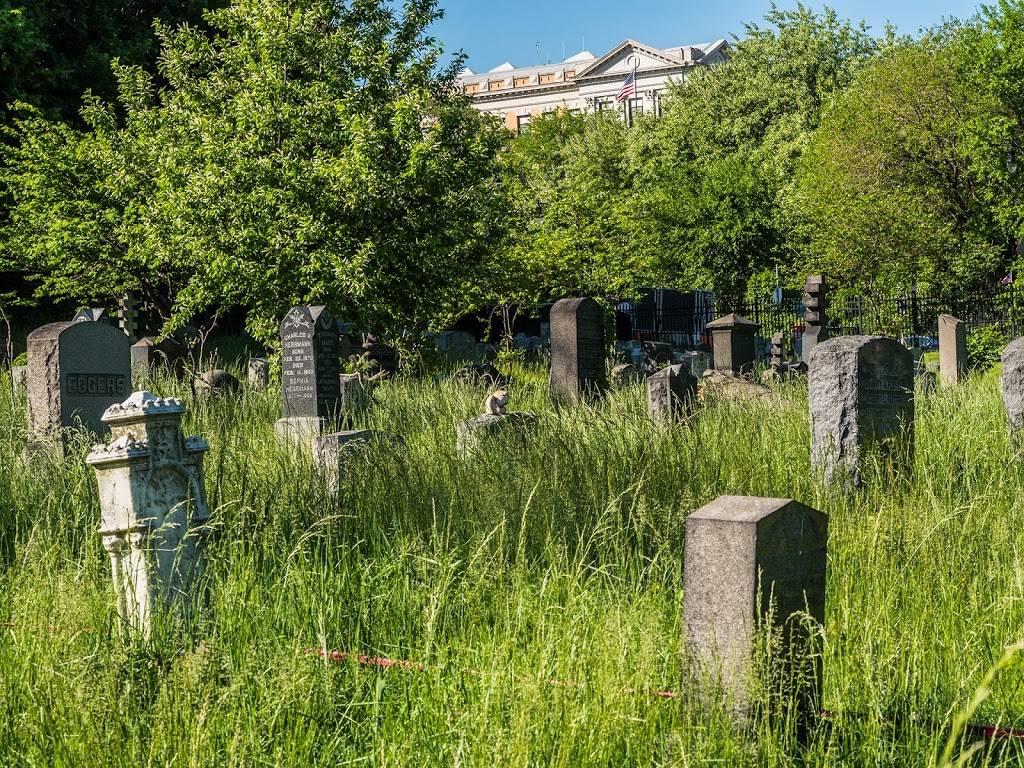 Historic Jersey City and Harsimus Cemetery - cemetery  | Photo 5 of 9 | Address: 435 Newark Ave, Jersey City, NJ 07302, USA | Phone: (201) 707-0738