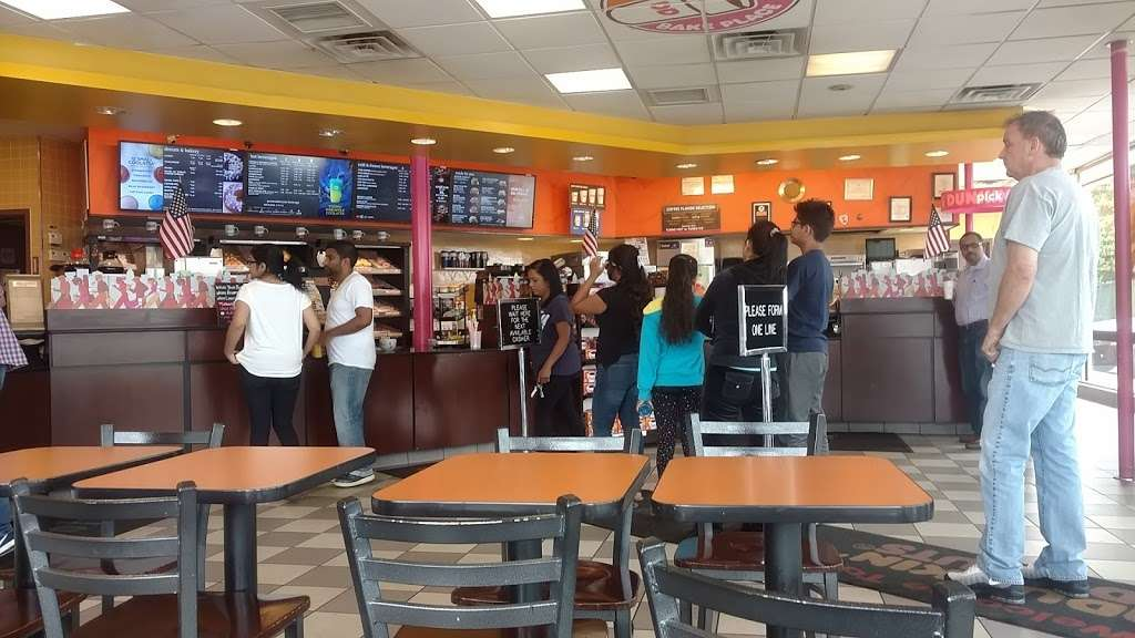 Dunkin Donuts - cafe  | Photo 2 of 10 | Address: 25420 Hillside Avenue, Queens, NY 11004, USA | Phone: (718) 470-9245