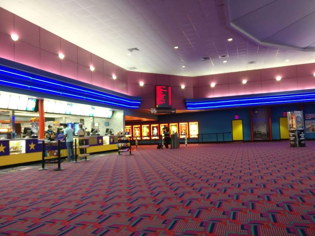 Fun Movie Grill Macarthur Market place - movie theater  | Photo 2 of 10 | Address: 8505 Walton Blvd, Irving, TX 75063, USA | Phone: (972) 556-9524